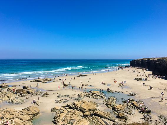 Vista desde el paseo superior playa catedrales