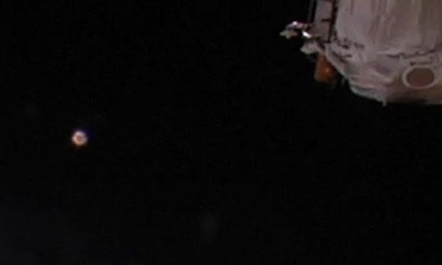 Glowing Orb UFO Shows Up At Space Station Live Cam Orb%252C%2Borbs%252C%2BISS%252C%2Bstation%252C%2Bfairy%252C%2Baliens%252C%2Balien%252C%2BET%252C%2Bplanet%2Bx%252C%2Banunnaki%252C%2Bgods%252C%2Bgod%252C%2Bangels%252C%2Bdemons%2BMars%252C%2Bsecret%252C%2Bwtf%252C%2BUFO%252C%2Bsighting%252C%2Bevidence%252C%2B3%2Bcopy2