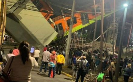 Τραγικό δυστύχημα στην Πόλη του Μεξικού : κατάρρευση γέφυρας κατά τη διέλευση ενός τρένου - Δεκάδες νεκροί και τραυματίες