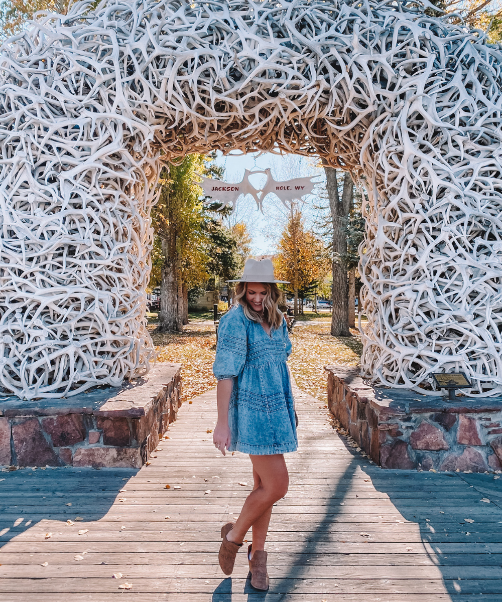 Travel blogger Amanda Martin explores the Jackson Hole town square
