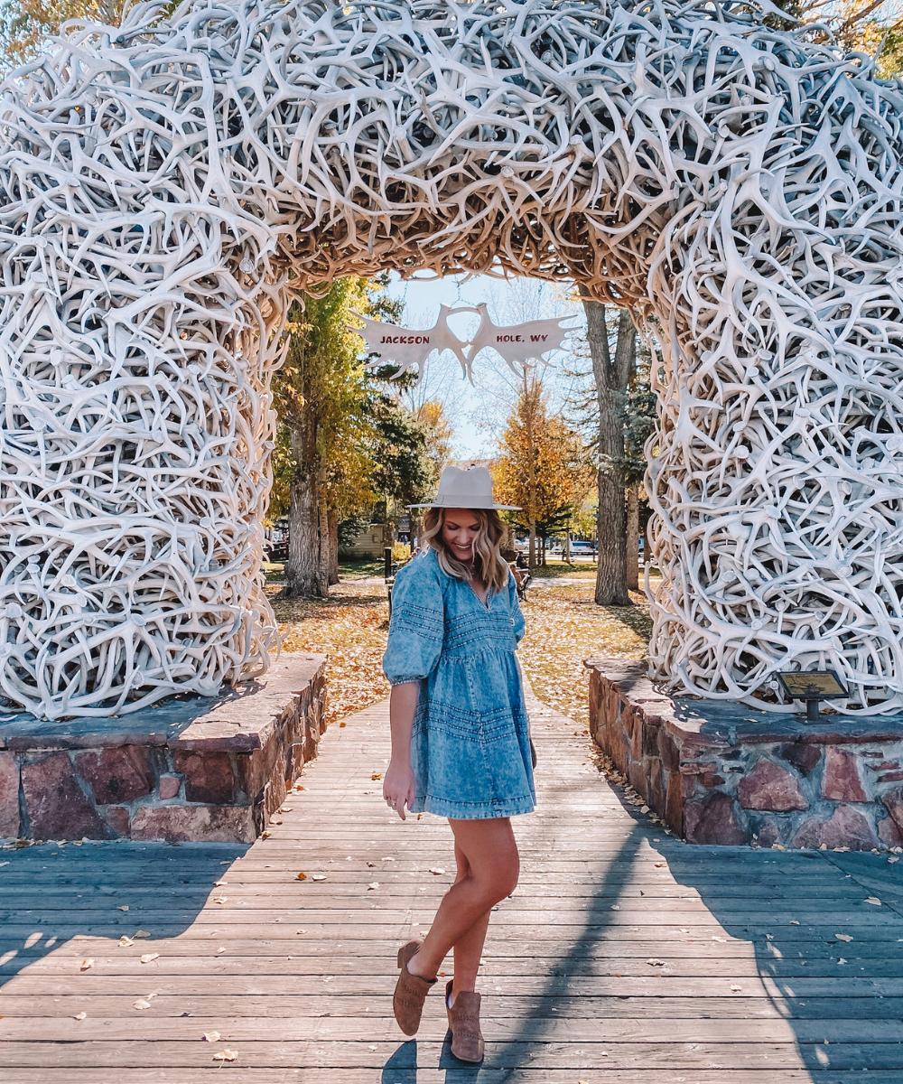 Travel blogger Amanda Martin explores the Jackson Hole town square