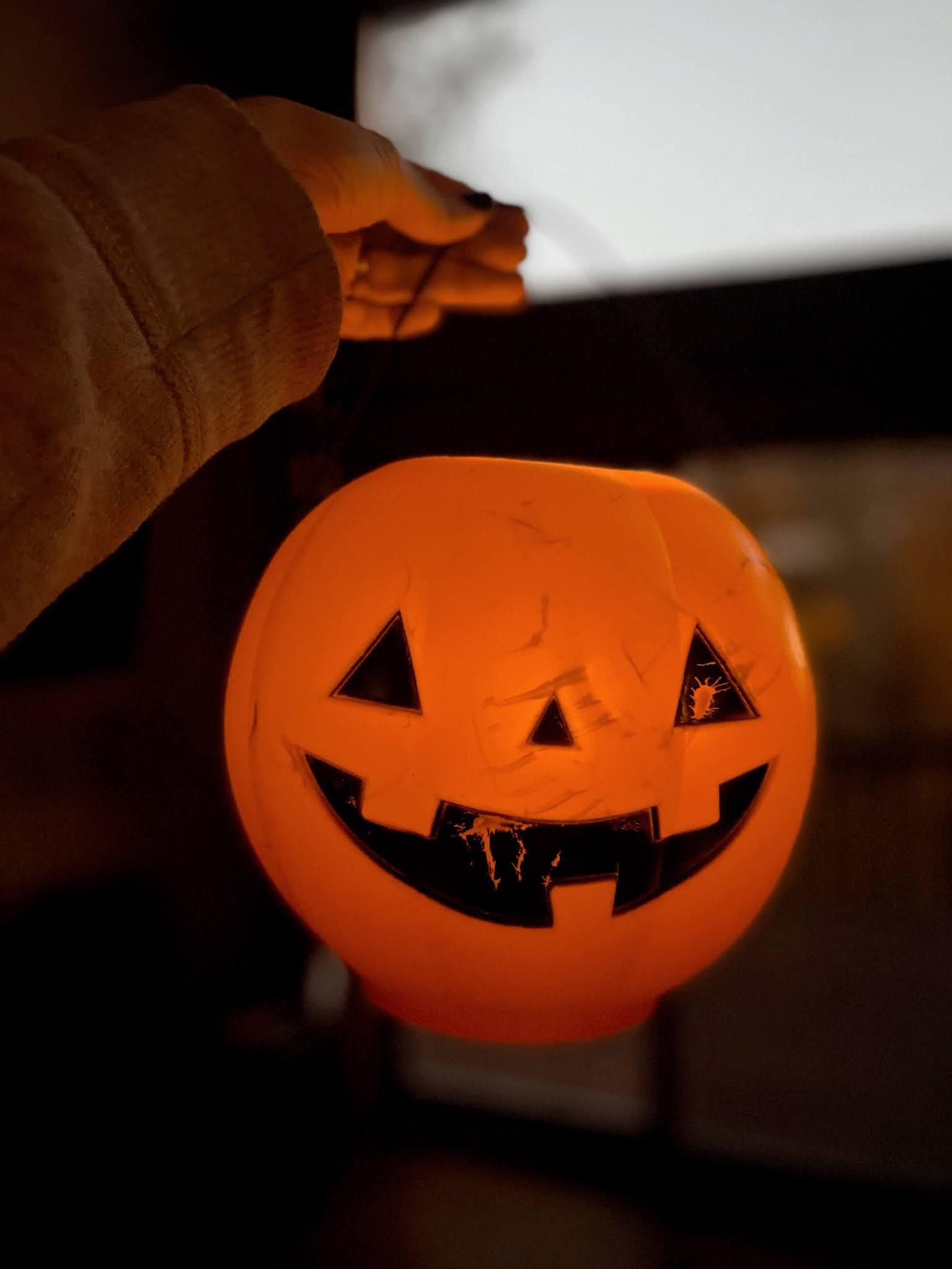 Halloween Trick Or Treat Pumpkin | biblio-style.com