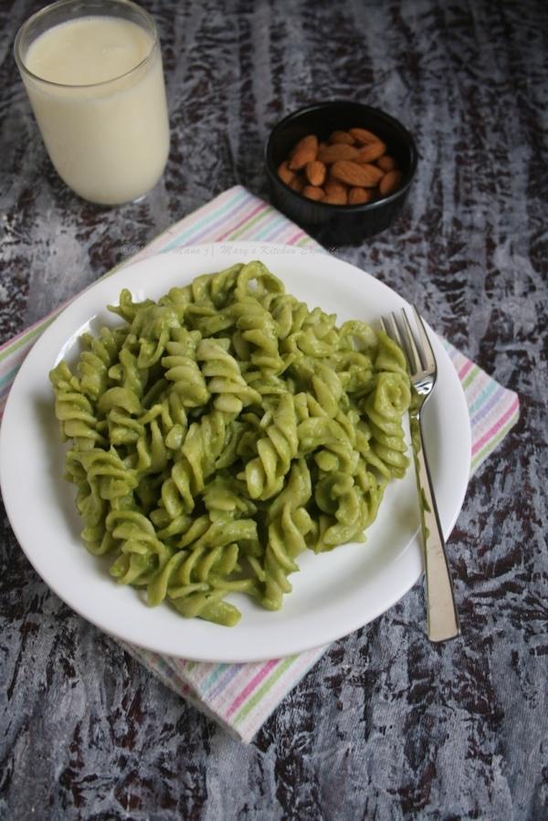 Palak Pasta Recipe | Spinach Pasta Recipe
