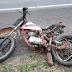Casal e filho de 5 anos em moto morrem após serem atingidos por caminhonete