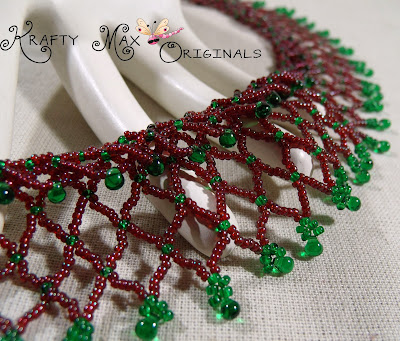 http://www.lajuliet.com/index.php/2013-01-04-15-21-51/ad/beadwork,46/exclusive-christmas-neting-beadwoven-necklace-a-krafty-max-original-design,134