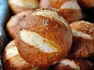 طريقه عمل خبز البريتزل