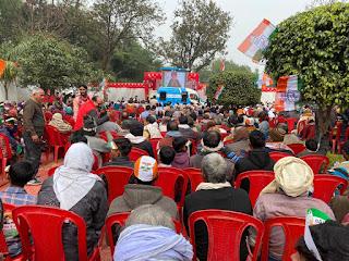 कांग्रेस महासचिव प्रियंका गांधी ने वीडियो कांफ्रेंसिंग के जरिये बैठक को किया संबोधित