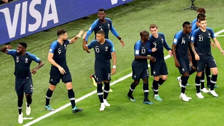 Αποχαιρέτησαν με κλάματα την εθνική Γαλλίας