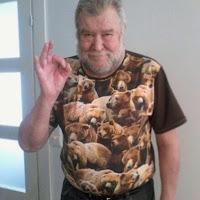 12+1 t-paitaa isälleni