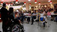 Mara durante bate-papo no Ribeirão Shopping