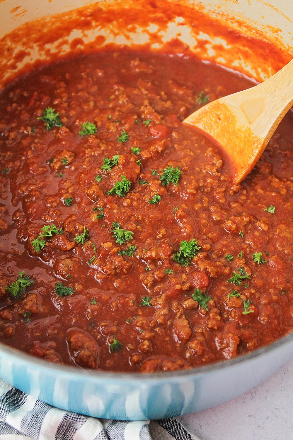 This rich and meaty spaghetti sauce is simple to make, and full of delicious flavors!
