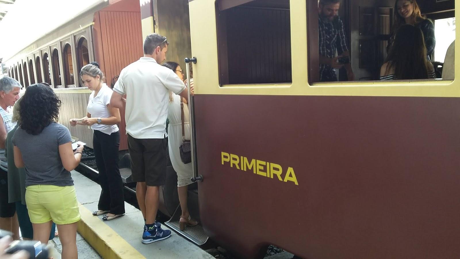 Vagão de passageiros da Maria Fumaça - Primeira Classe
