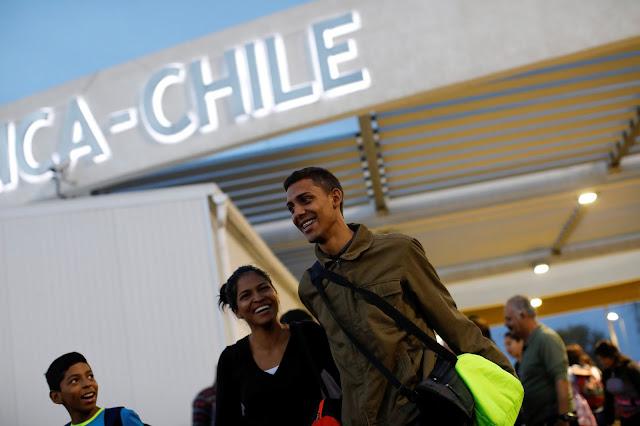 Gobierno de Chile estudia otorgar visa de residencia temporal a venezolanos