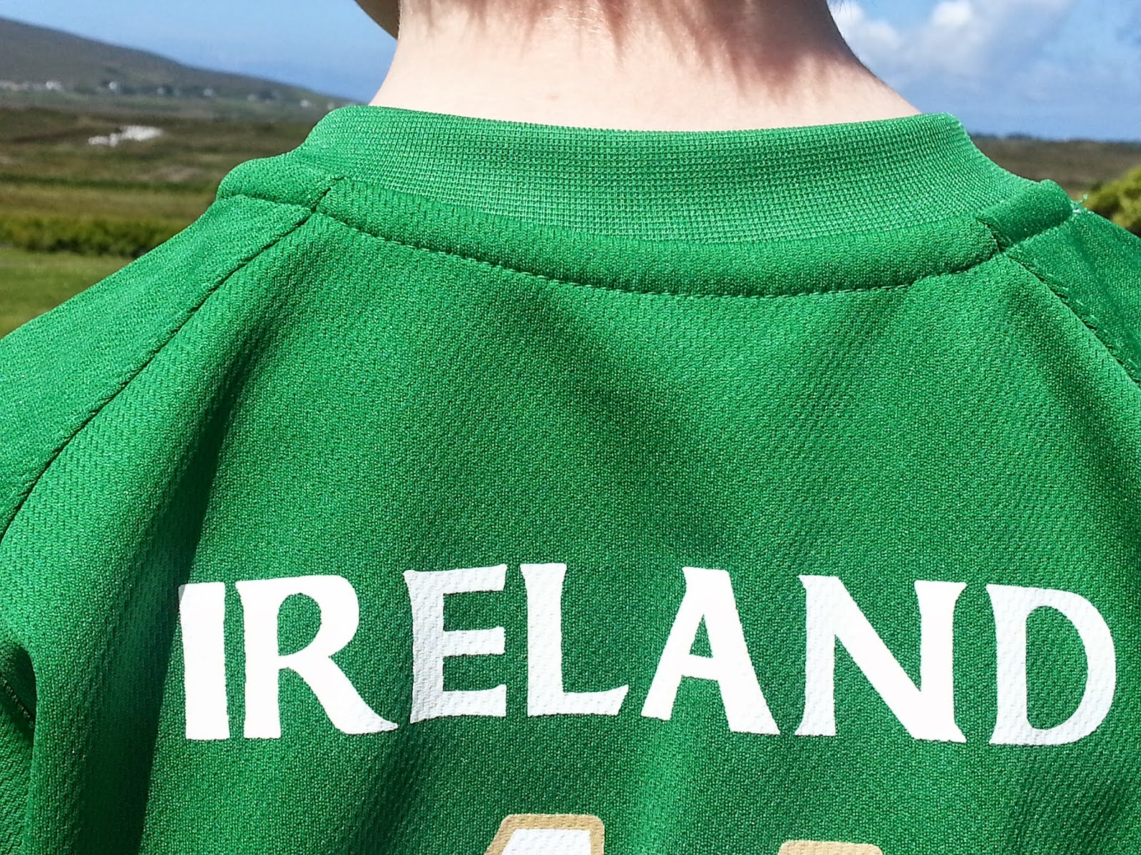 The word Ireland on back of soccer jersey