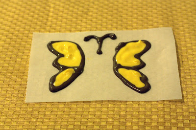 finished view of making chocolate butterfly wings for cupcakes