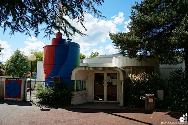 Elancourt - Pré-Yvelines - Ecole / Crèche  Architecte: Philippe et Martine Deslandes  Projet / Construction: 1969 - 1973