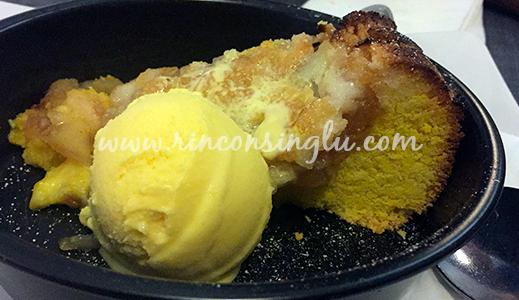 tarta de manzana con helado de vainilla sin gluten en roma