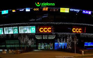 http://fotobabij.blogspot.com/2015/12/puawy-galeria-zielona-swiateczna-noca.html
