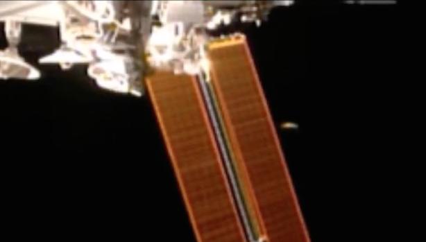 Đĩa bay thăm dò Trái Đất gần trạm không gian NASA tháng 5/2017