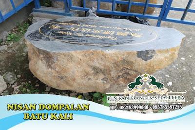 Nisan Batu Kali | Nisan Dompalan Batu Kali | Nisan Dari Batu Alam