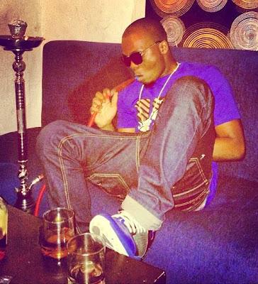 olamide smoking shisha pipe