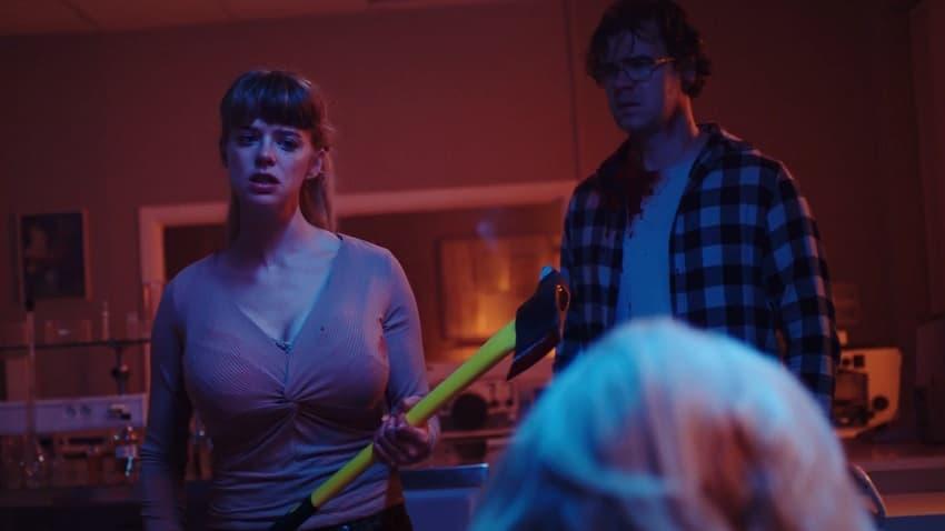 Рецензия на фильм «Нямка» («Вкуснятина») - зомби-хоррор, с головой нырнувший в трэш