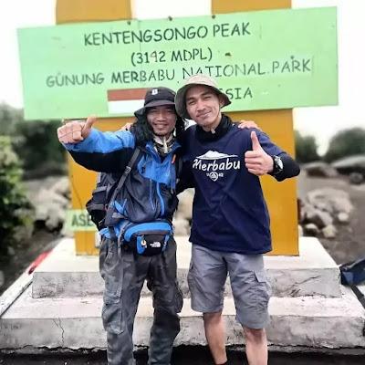 bersahabat dengan pendaki lain
