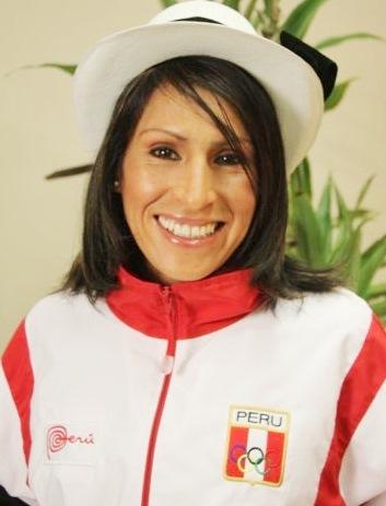 Foto de Gladys Tejeda con linda sonrisa