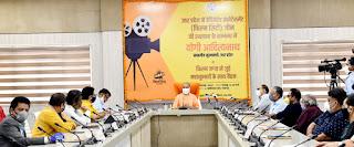 बोले UP CM - UP में अधूरा कुछ नहीं, दुनिया को देंगे 'पूर्ण' फिल्मसिटी का उपहार | #NayaSaberaNetwork