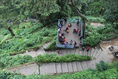 Shelter obyek wisata Curug Cimahi