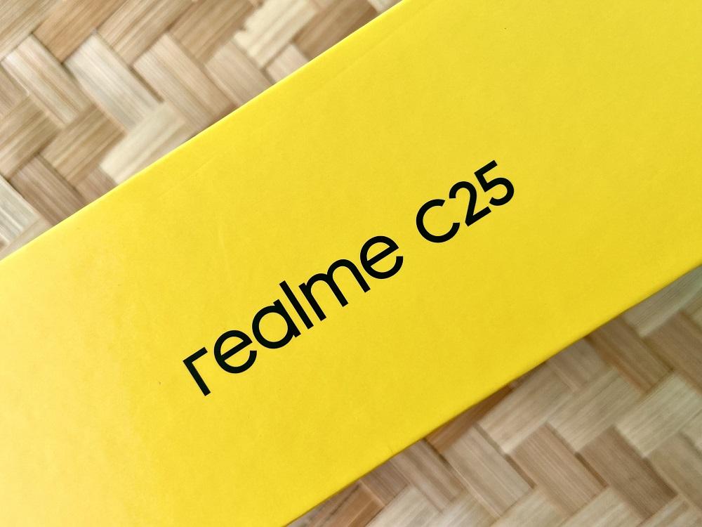realme C25 Box Side