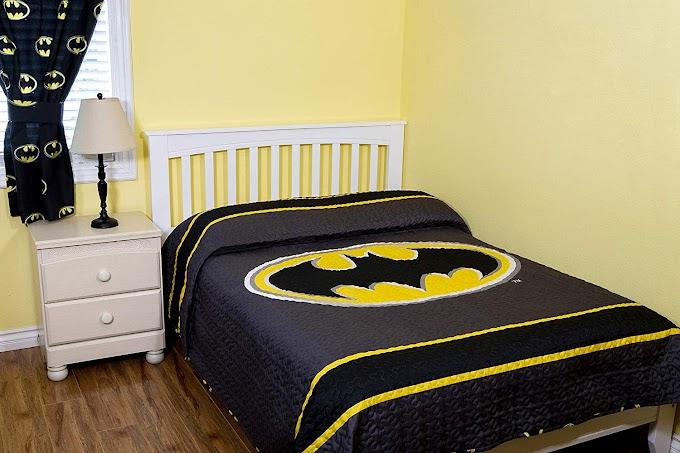 AMAZON - 70% off DC Comics Batman Emblem Reversible Quilt Bedspread