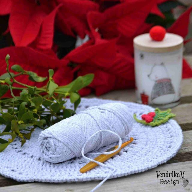 Crochet placemat - free crochet pattern by VendulkaM
