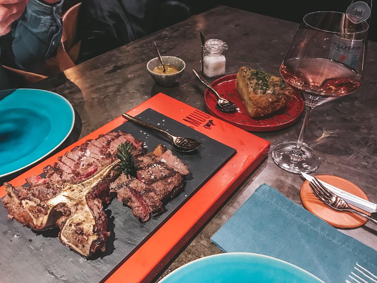 Porto Empfehlungen für  landestypische Restaurants und Essen von der Travelbloggerin Joana - Porto Food Tipps Restaurants Best local food portuguese Travel Diary