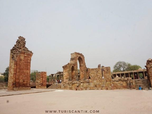 qutub minar kejayaan islam di india