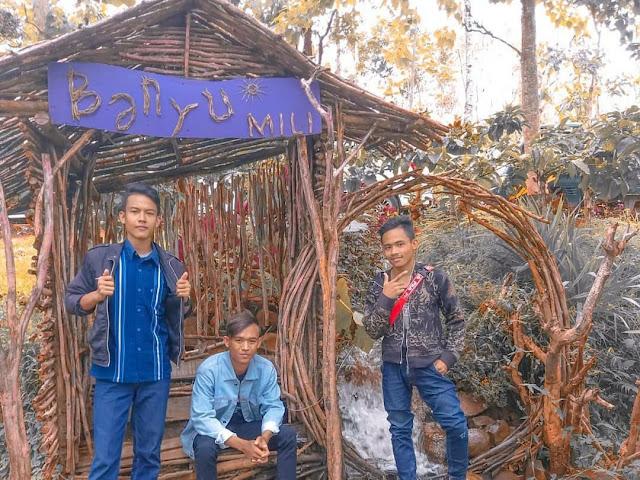 spot foto rumah kayu di wisata banyu mili wonosalam jombang
