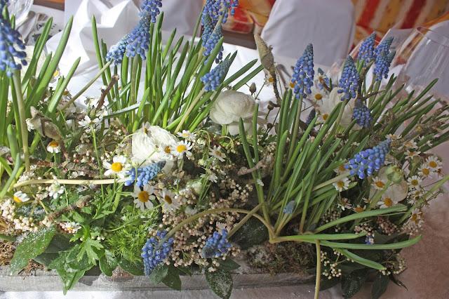 Tischdekoration zur Winterhochzeit im Kaminzimmer im Seehaus am Riessersee in Garmisch-Partenkirchen - Winter Wedding in Bavaria - center pieces and table decor
