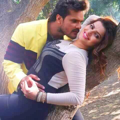 Madhu Sharma Romance With Khesari Lal Yadav in Upcoming Film Khiladi