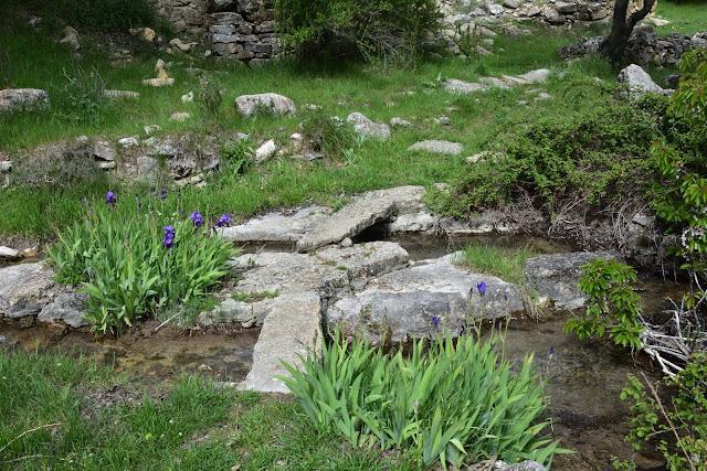 El puente de piedra del Cañigral
