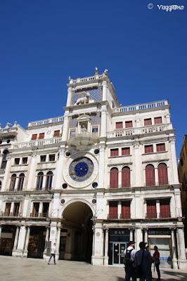 La Torre dei Mori o dell'Orologio di Piazza San Marco a Venezia