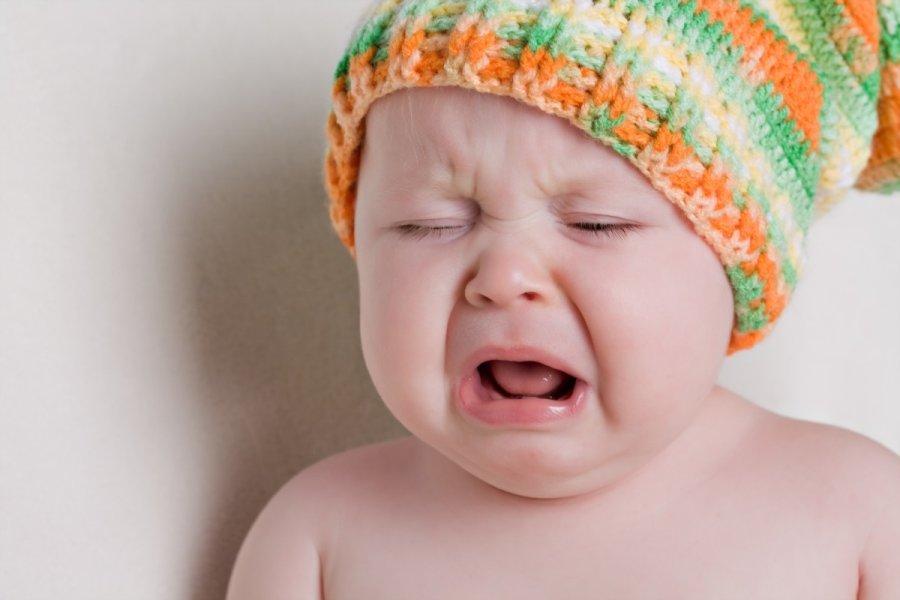 Khi bé bị ngộ độc thức ăn, thực phẩm, thuốc mẹ nên làm gì
