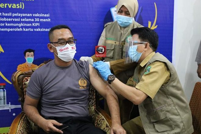 Kapolres Takalar di Vaksin Covid-19 Tahap Yang Kedua