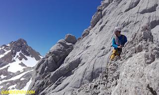 moñetas , fernando calvo guia de alta montaña uiagm picos de europa