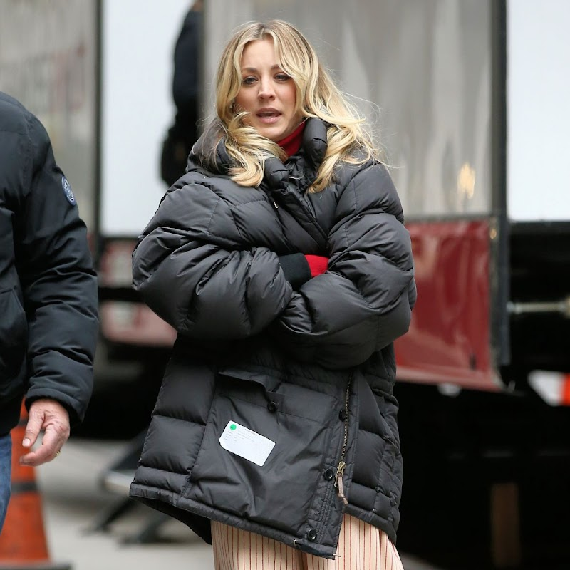 Kaley Cuoco Clicked on the Set of The Flight Attendant in New York 16 Dec-2019