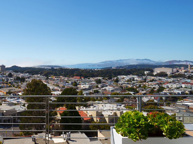 Picture of the San Francisco from the balcony