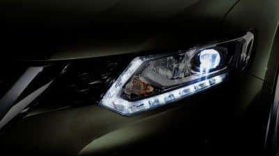Lampu Belakang Nissan X-trail mobil suv tangguh