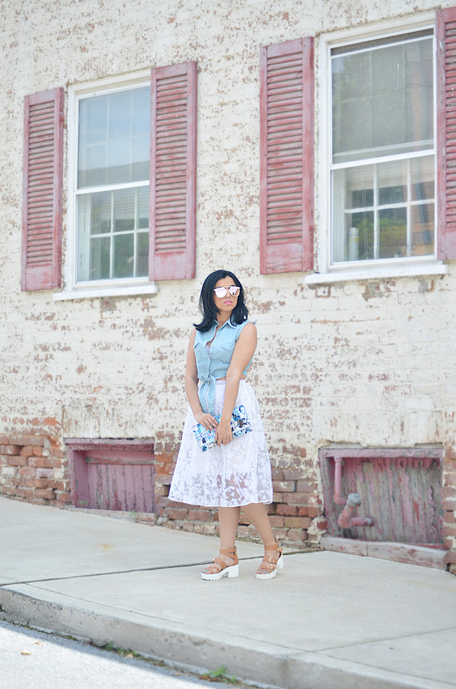 Mari Estilo- Charles Town West Virginia- MariEstiloTravels-Wearing: Skirt/Falda: DressLink Top/Blusa: Romwe Shoes/Zapatos: Pink Key Clutch/Cartera de mano: Rainbow