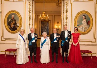 duchess-kate-wears-princess-dianas-tiara-in-new-royal-portrait
