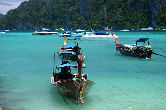 Phi-Phi, Island