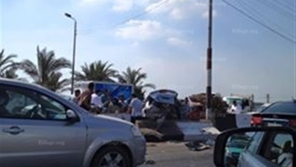 انقلاب سيارة ملاكي وإصابة سائقها على طريق ميت غمر